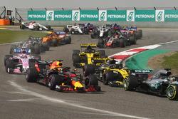 Daniel Ricciardo, Red Bull Racing RB14 startta