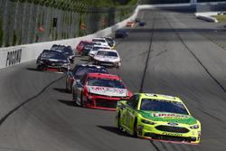 Paul Menard, Wood Brothers Racing, Ford Fusion Menards / Libman, Darrell Wallace Jr., Richard Petty Motorsports, Chevrolet Camaro Mile 22