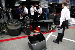 Team member at the garage of Nico Müller, Audi Sport Team WRT, Audi R8 LMS
