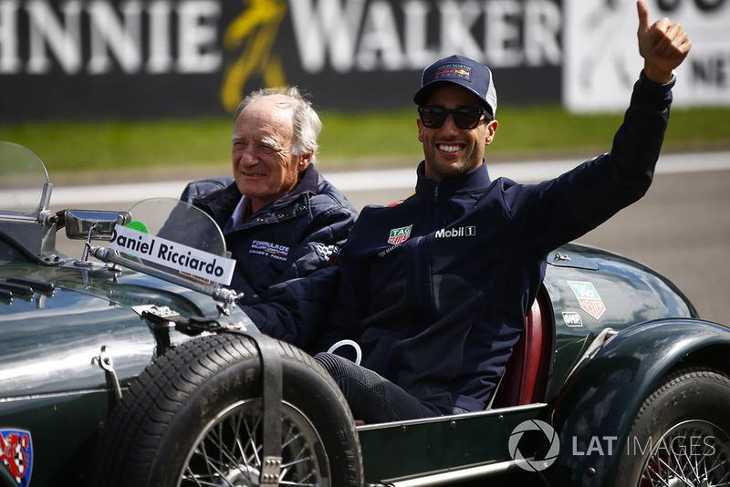 Daniel Ricciardo, Red Bull Racing, en el drivers parade