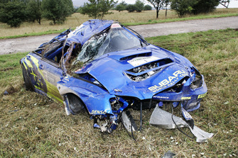 Petter Solberg, Phil Mills, Subaru Impreza, crashed car