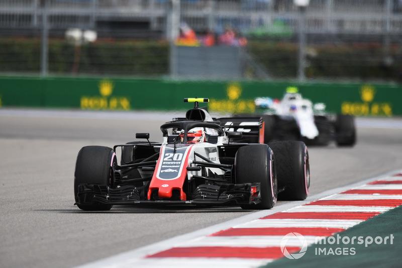 Kevin Magnussen, Haas F1 Team VF-18 ve Sergey Sirotkin, Williams FW41