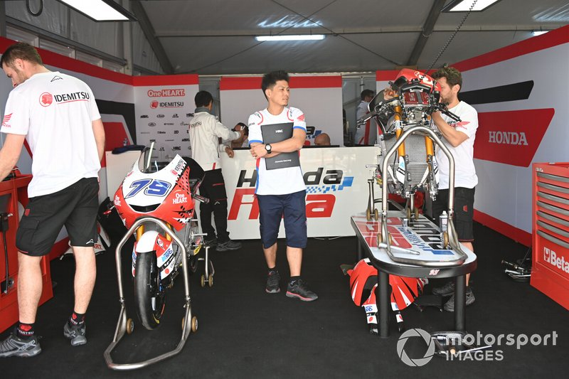 Team Honda Asia, garage