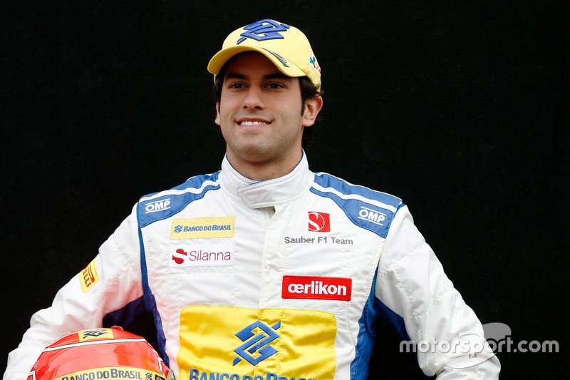 """<img class=""""ms-flag-img ms-flag-img_s1"""" title=""""brazil"""" src=""""https://cdn-1.motorsport.com/static/img/cf/br-3.svg"""" alt=""""brazil"""" width=""""32"""" /> Felipe Nasr, Sauber F1 2015"""