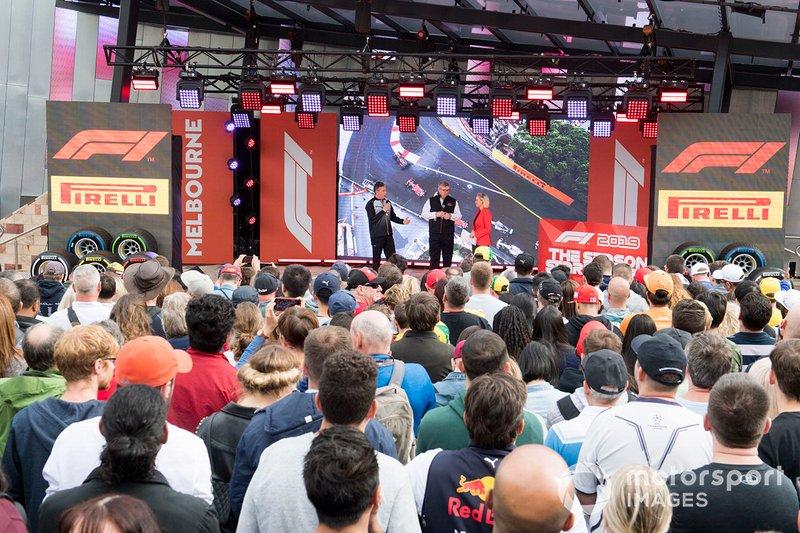 Mario Isola, de Pirelli Motorsport, y Ross Brawn, director deportivo de la FOM