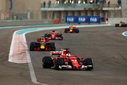 Sebastian Vettel, Ferrari SF70H, Daniel Ricciardo, Red Bull Racing RB13, Kimi Raikkonen, Ferrari SF70H, Max Verstappen, Red Bull Racing RB13