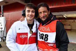 Charles Leclerc, Alfa Romeo Sauber F1 Team et Jean-Michel Tibi, cameraman FOM