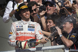 Ganador de la carrera Lewis Hamilton, McLaren