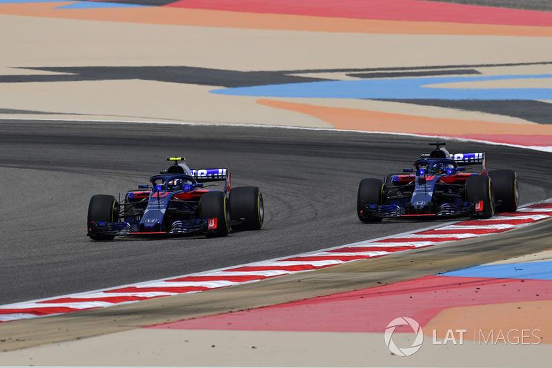 Pierre Gasly, Scuderia Toro Rosso STR13 and Brendon Hartley, Scuderia Toro Rosso STR13