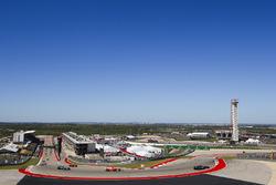 Lewis Hamilton, Mercedes AMG F1 W08, Sebastian Vettel, Ferrari SF70H, Valtteri Bottas, Mercedes AMG F1 W08, Daniel Ricciardo, Red Bull Racing RB13, on the formation lap