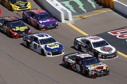Kyle Busch, Joe Gibbs Racing, Toyota Camry Skittles Sweet Heat and Kevin Harvick, Stewart-Haas Racing, Ford Fusion Jimmy John's