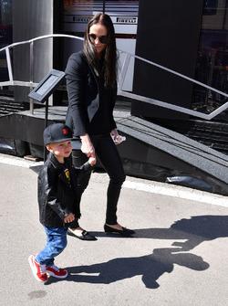 Minttu Virtanen, femme de Kimi Raikkonen, Ferrari avec leur fils Robin Raikkonen