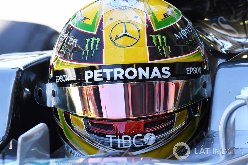 Lewis Hamilton foi mais rápido nos dois treinos
