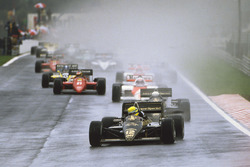 Start zum GP Portugal 1985 in Estoril: Ayrton Senna, Lotus 97T, führt