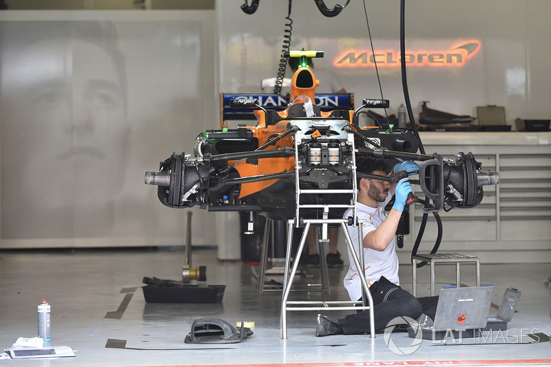 McLaren MCL33 in the garage