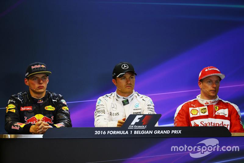 La conferenza stampa FIA post qualifiche (da sx adx): il secondo qualificato Max Verstappen, Red Bul