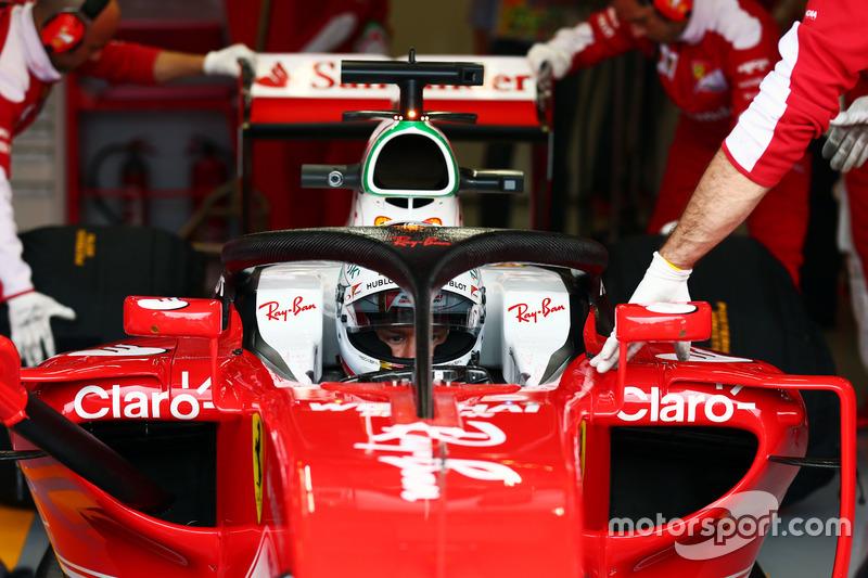 Sebastian Vettel, Ferrari SF16-H yeni halo sistemini test ediyor