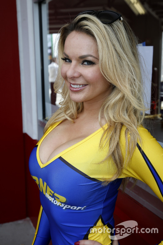 Turner Motorsport Girl