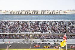 Denny Hamlin, Joe Gibbs Racing Toyota beats Martin Truex Jr., Furniture Row Racing Toyota to the che