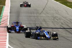 Pascal Wehrlein, Sauber C36, Carlos Sainz Jr., Scuderia Toro Rosso STR12, Kevin Magnussen, Haas F1 Team VF-17