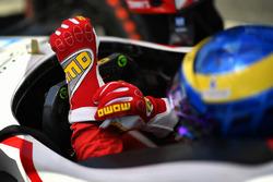 Les gants Momo de Sébastien Bourdais, Dale Coyne Racing Honda