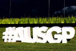 Schriftzug: #AusGP, der Twitter-Hashtag für den Grand Prix von Australien