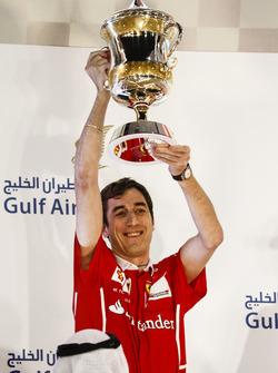 Matteo Togninalli, Chief Race Engineer, Ferrari lifts the Constructors trophy