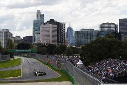 Nico Hulkenberg, Renault Sport F1 Team RS17, leads Valtteri Bottas, Mercedes AMG F1 W08