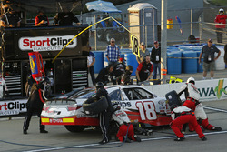 Kyle Benjamin, Joe Gibbs Racing Toyota pit stopWorld Copyright: Brett Moist LAT Images
