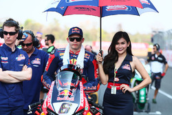 Stefan Bradl, Honda World Superbike Team, mit Gridgirl