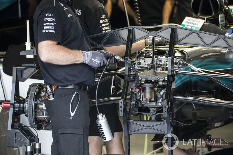 Mercedes AMG F1 F1 W08 front suspension detail