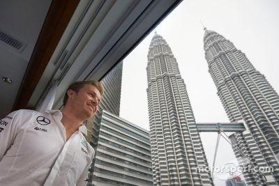 Nico Rosberg besucht Petronas