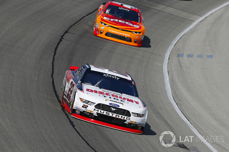 Ryan Blaney, Team Penske Ford and Kyle Larson, Chip Ganassi Racing Chevrolet