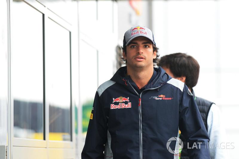 Сход. Карлос Сайнс-мл., Scuderia Toro Rosso