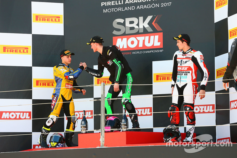 Podium SSP300: race winner Scott Deroue, MTM HS Kawasaki, second place Daniel Valle, Halcourier Raci