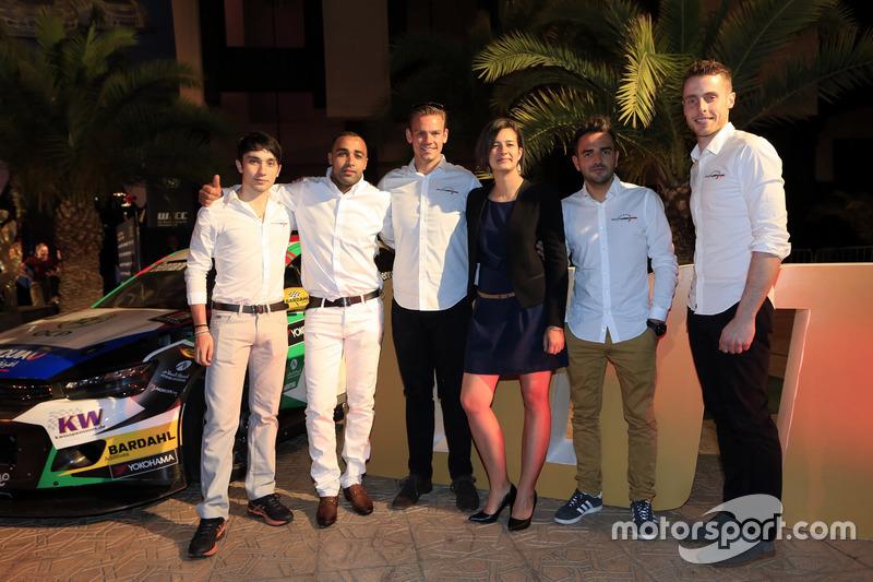 John Filippi, Tom Chilton, Sébastien Loeb Racing, Citroën C-Elysée WTCC with team members