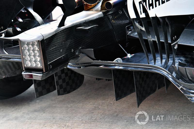 Mercedes AMG F1 F1 W08  arka difüzör detay