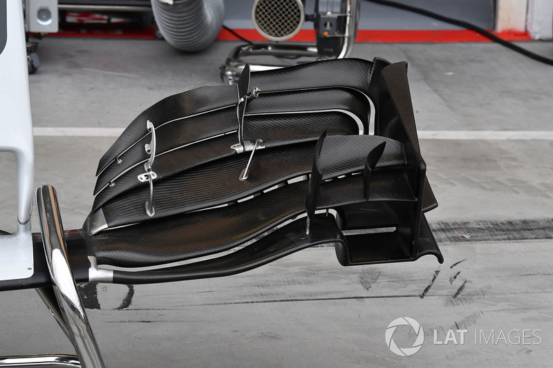 Haas VF-17 front wing detail
