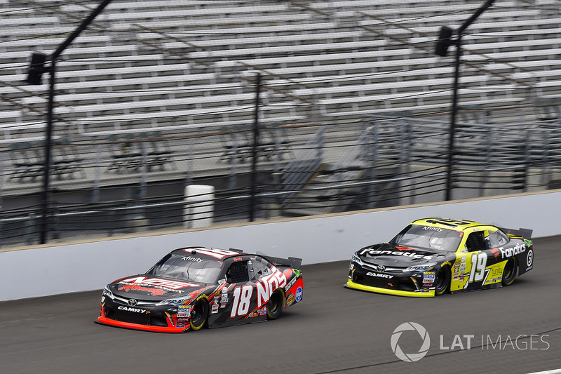 Kyle Busch, Joe Gibbs Racing Toyota y Matt Tifft, Joe Gibbs Racing Toyota