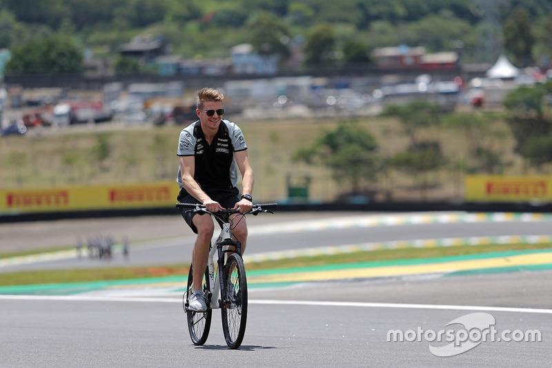 Nico Hulkenberg, Sahara Force India F1 rides the circuit
