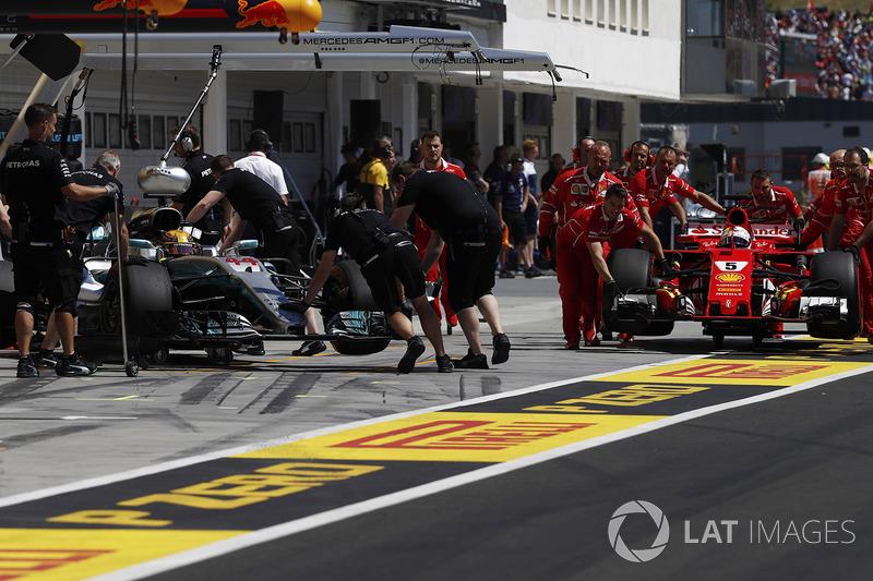 Hamilton, Mercedes AMG F1 W08, Sebastian Vettel, Ferrari SF70H