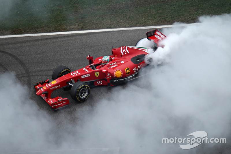 Заезд Ferrari F60