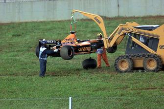 El coche dañado de Jos Verstappen, Arrows Asiatech A22