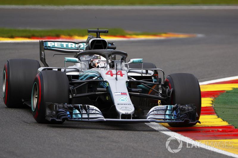 Sem conseguir alcançar o alemão, Hamilton teve de se contentar com o segundo lugar