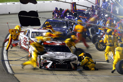 Matt Kenseth, Joe Gibbs Racing Toyota pit stop
