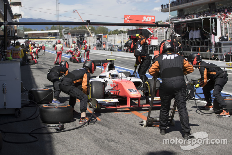 Nabil Jeffri, Trident pitstop during the race