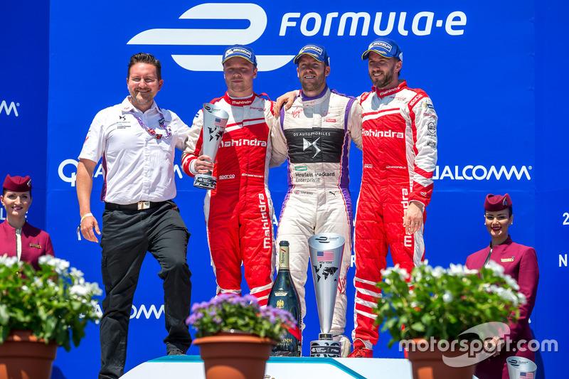 Podio: ganador Sam Bird, DS Virgin Racing, segundo lugar Felix Rosenqvist, Mahindra Racing, tercer lugar Nick Heidfeld, Mahindra Racing
