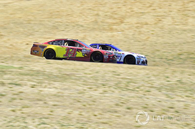Chris Buescher, JTG Daugherty Racing Chevrolet, Clint Bowyer, Stewart-Haas Racing Ford