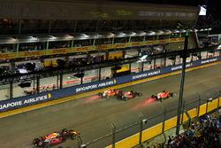 Sebastian Vettel, Ferrari SF70H, Max Verstappen, Red Bull Racing RB13 et Kimi Raikkonen, Ferrari SF70H au départ
