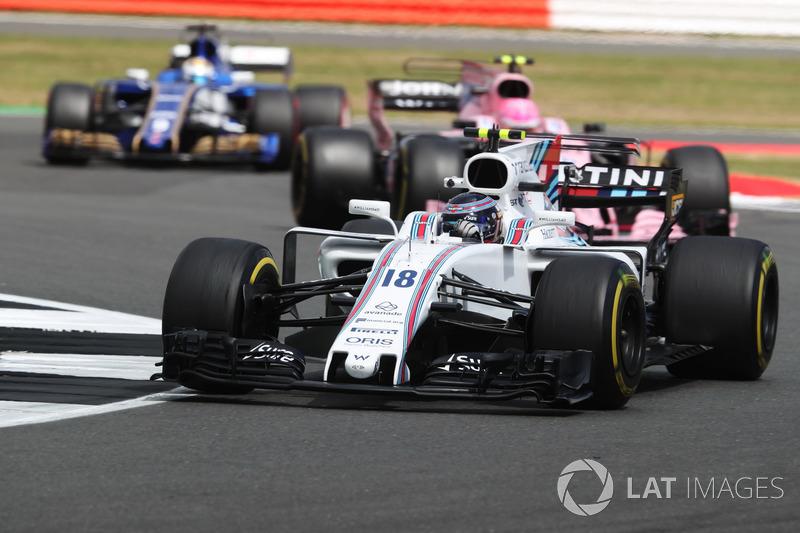 Lance Stroll, Williams FW40, Esteban Ocon, Sahara Force India F1 VJM10 ve Marcus Ericsson, Sauber C36